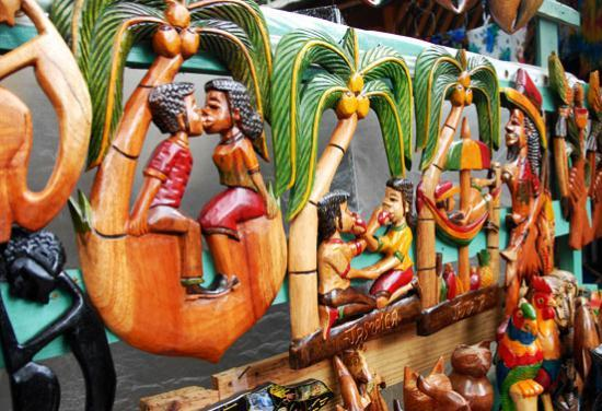 Dunns river falls craft market